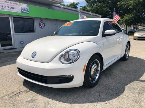 2013 Volkswagen Beetle for sale at EXECUTIVE CAR SALES LLC in North Fort Myers FL