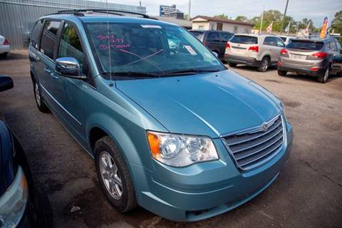 2010 Chrysler Town and Country for sale in Detroit, MI