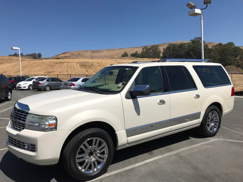 2007 LINCOLN NAVIGATOR L LUXURY 4DR SUV 4WD white need financing we can help call now call tod