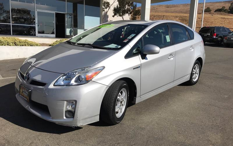 2010 TOYOTA PRIUS IV 4DR HATCHBACK silver need financing we can help call n