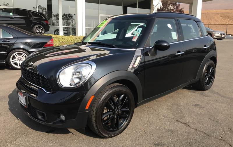 2013 MINI COUNTRYMAN COOPER S 4DR CROSSOVER black need financing we can help