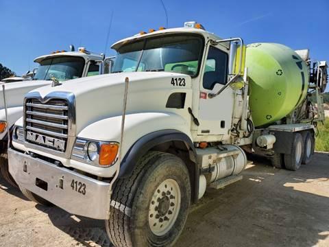 2006 Mack GRANITE CV513在弗吉尼亚州阿什兰的水泥卡车公司出售