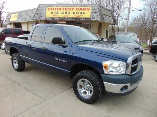 2007 Dodge Ram Pickup 1500 for sale at Courtesy Cars in Independence MO