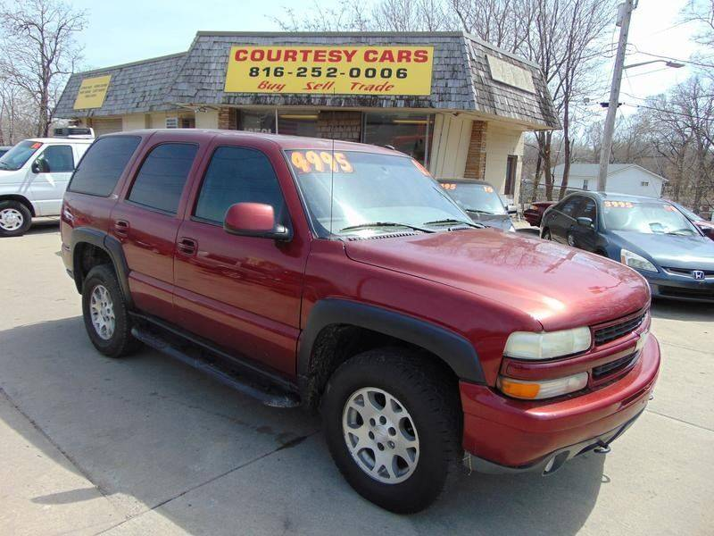 2003 Chevrolet Tahoe for sale at Courtesy Cars in Independence MO