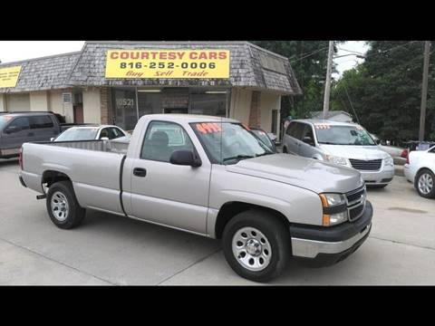 2006 Chevrolet Silverado 1500 for sale at Courtesy Cars in Independence MO