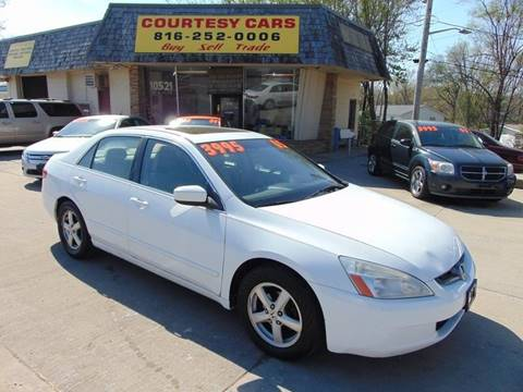 2005 Honda Accord for sale at Courtesy Cars in Independence MO