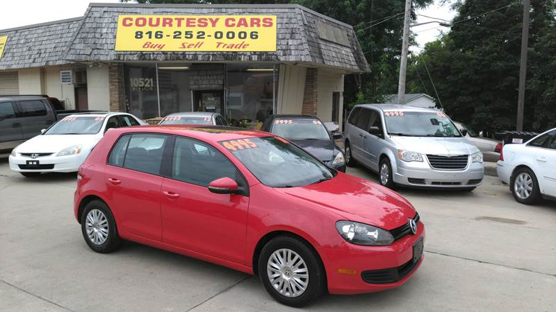2010 Volkswagen Golf for sale at Courtesy Cars in Independence MO