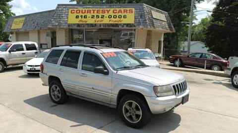 2002 Jeep Grand Cherokee for sale at Courtesy Cars in Independence MO