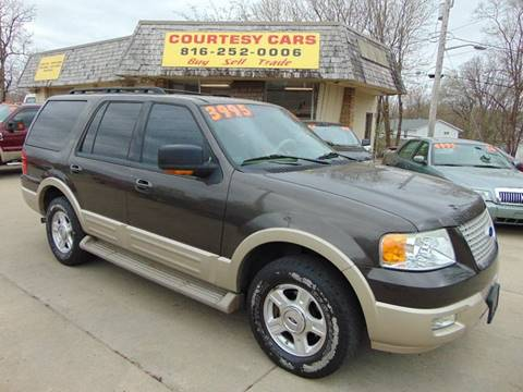 2006 Ford Expedition for sale at Courtesy Cars in Independence MO