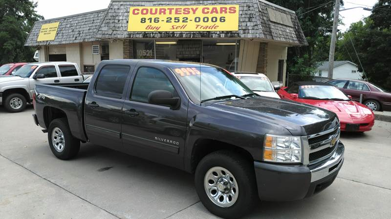 2010 Chevrolet Silverado 1500 for sale at Courtesy Cars in Independence MO