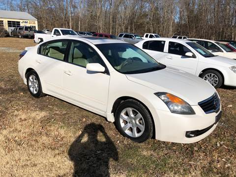 2009 Nissan Altima 2.5 SL for sale at J.W. Auto Sales INC in Flemington NJ