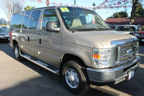 2008 Ford E-Series Wagon for sale at EXPRESS CREDIT MOTORS in San Jose CA
