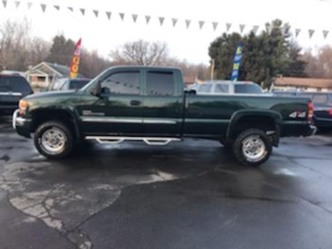 2005 GMC Sierra 2500HD for sale in Clio, MI