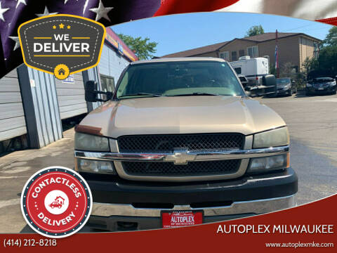 2004 Chevrolet Silverado 2500HD for sale at Autoplex in Milwaukee WI