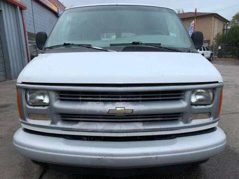 2000 Chevrolet Express Cargo for sale at Autoplex 2 in Milwaukee WI