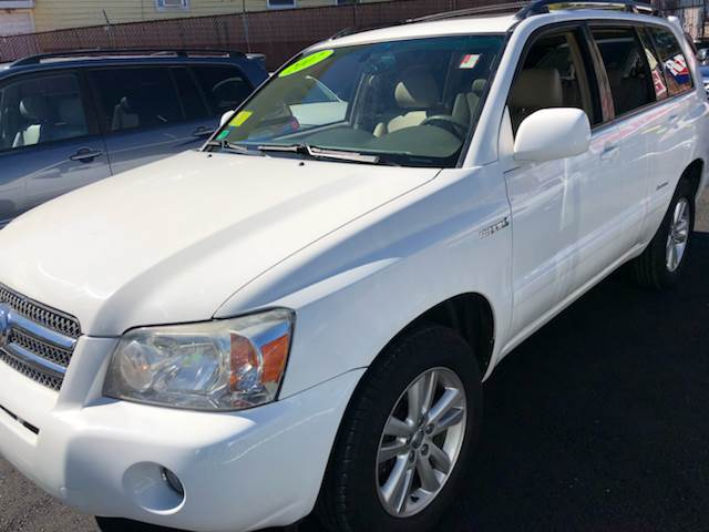 2007 Toyota Highlander Hybrid For Sale At C U0026 E Auto Sales In Worcester MA