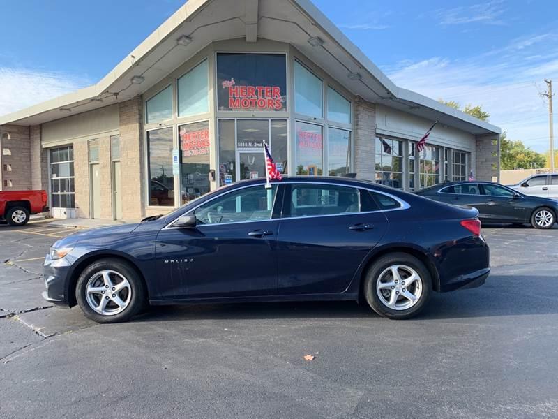 2017 Chevrolet Malibu for sale at Rick Herter Motors in Loves Park IL