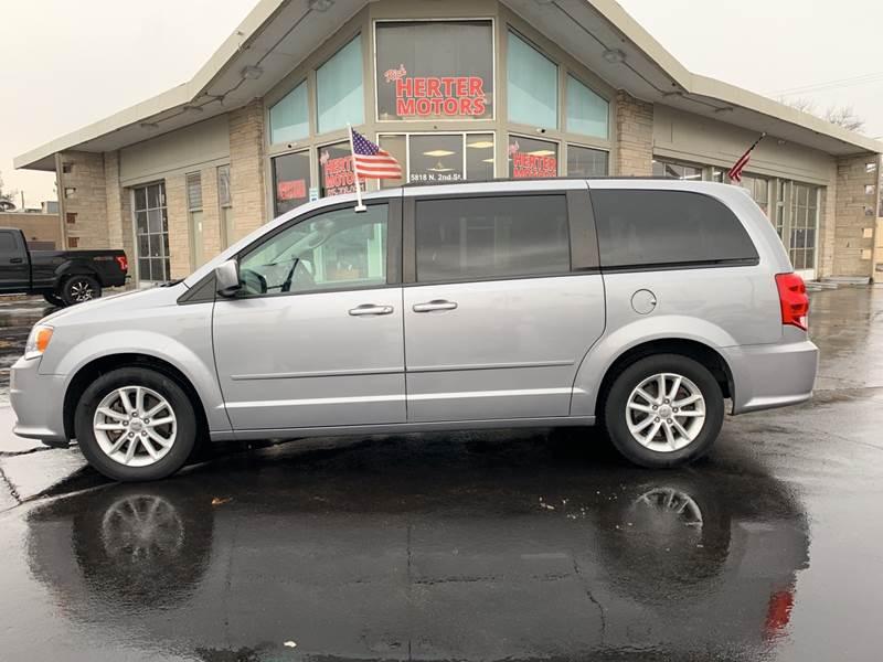 2015 Dodge Grand Caravan for sale at Rick Herter Motors in Loves Park IL