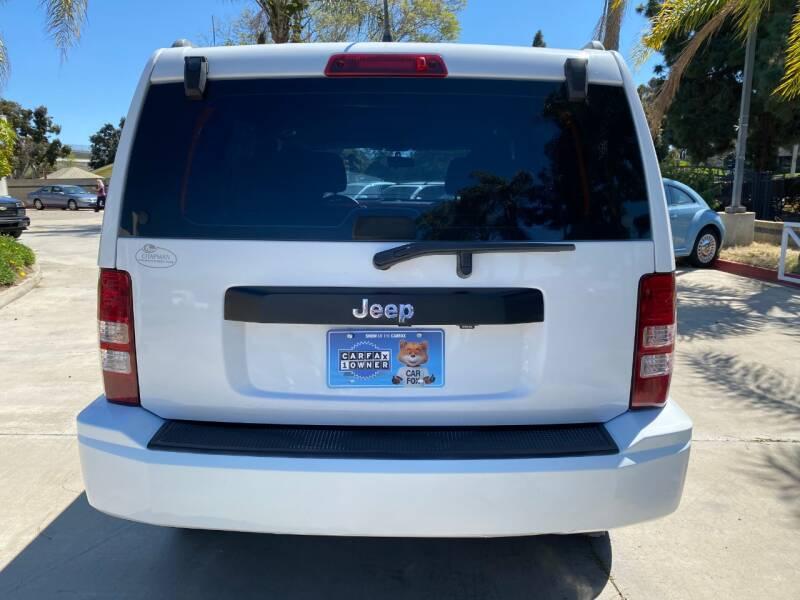 2011 Jeep Liberty Sport (image 6)