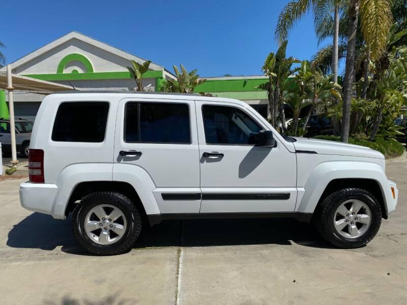 2011 Jeep Liberty Sport (image 8)