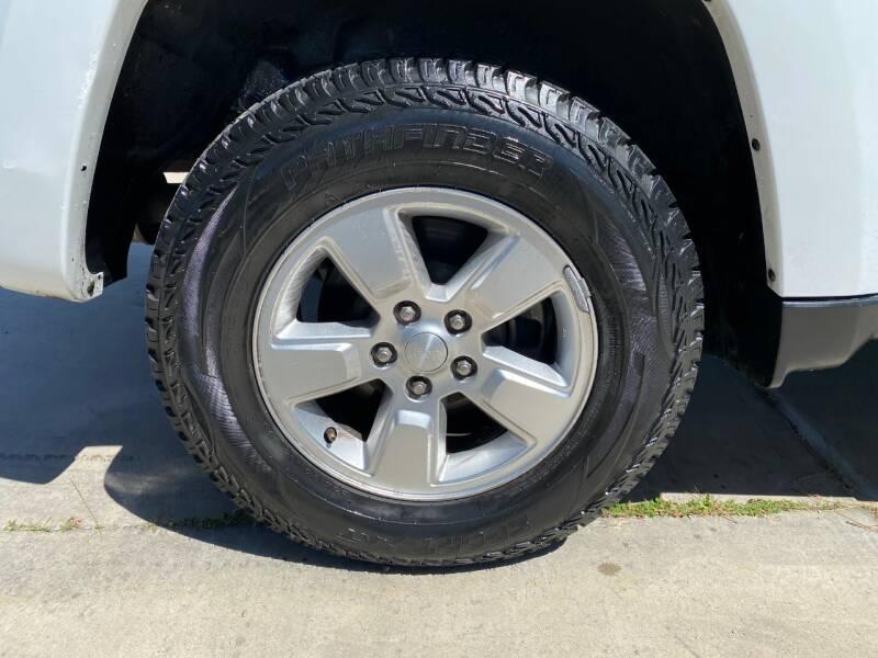 2011 Jeep Liberty Sport (image 9)