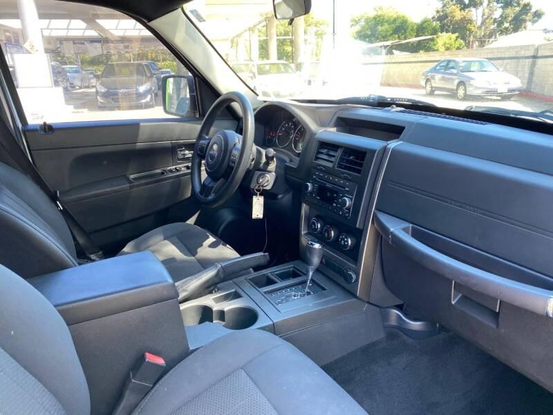 2011 Jeep Liberty Sport (image 26)