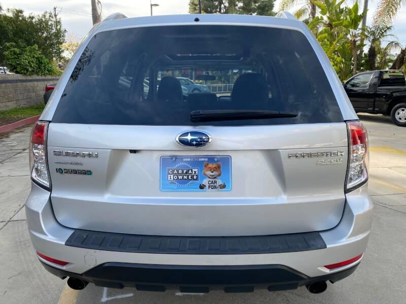 2011 Subaru Forester 2.5X Touring (image 6)