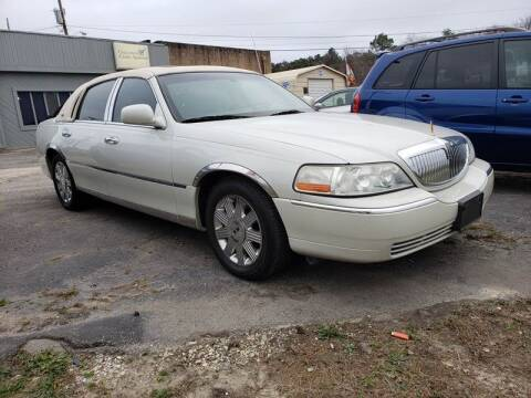 2005 Lincoln Town Car for sale at Cj king of car loans/JJ's Best Auto Sales in Troy MI
