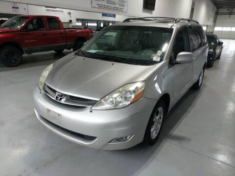 2006 Toyota Sienna for sale at Cj king of car loans/JJ's Best Auto Sales in Troy MI