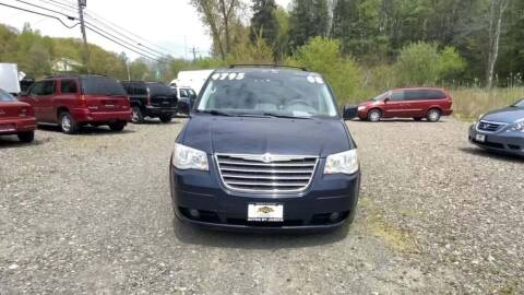 2008 Chrysler Town and Country for sale at Cj king of car loans/JJ's Best Auto Sales in Troy MI