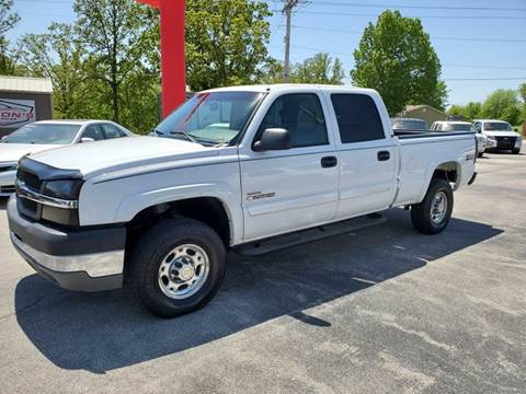 2004 Chevrolet Silverado 2500HD for sale at Aaron's Auto Sales in Poplar Bluff MO