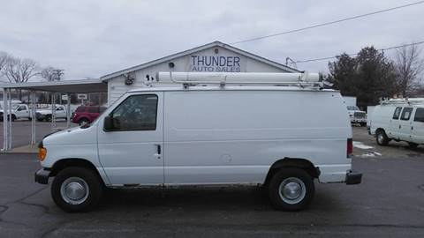 2005 Ford E-Series Cargo E-250 for sale at Thunder Auto Sales in Springfield IL