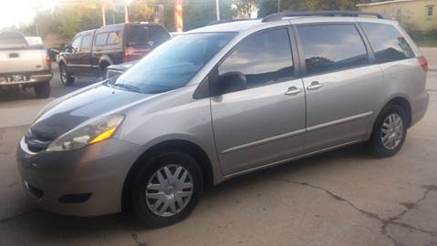 2006 Toyota Sienna for sale at NJ Quality Auto Sales LLC in Richmond IL