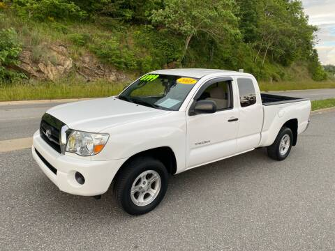 2005 Toyota Tacoma for sale at Johnsons Auto Sales, LLC in Marshall NC
