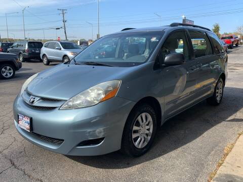 2006 Toyota Sienna for sale at New Wheels in Glendale Heights IL