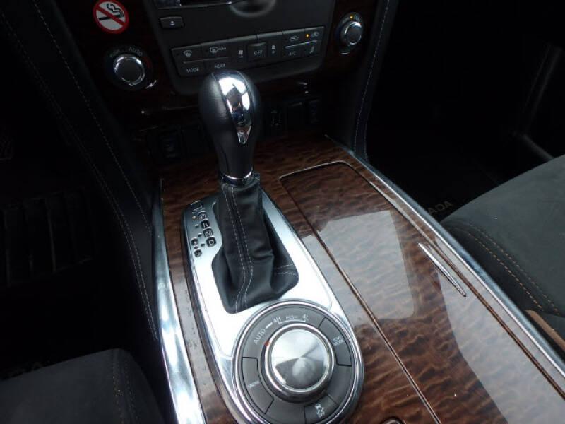 2019 Nissan Armada SV (image 15)