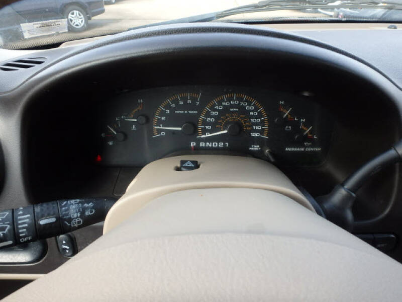 2003 Ford Expedition Eddie Bauer (image 16)
