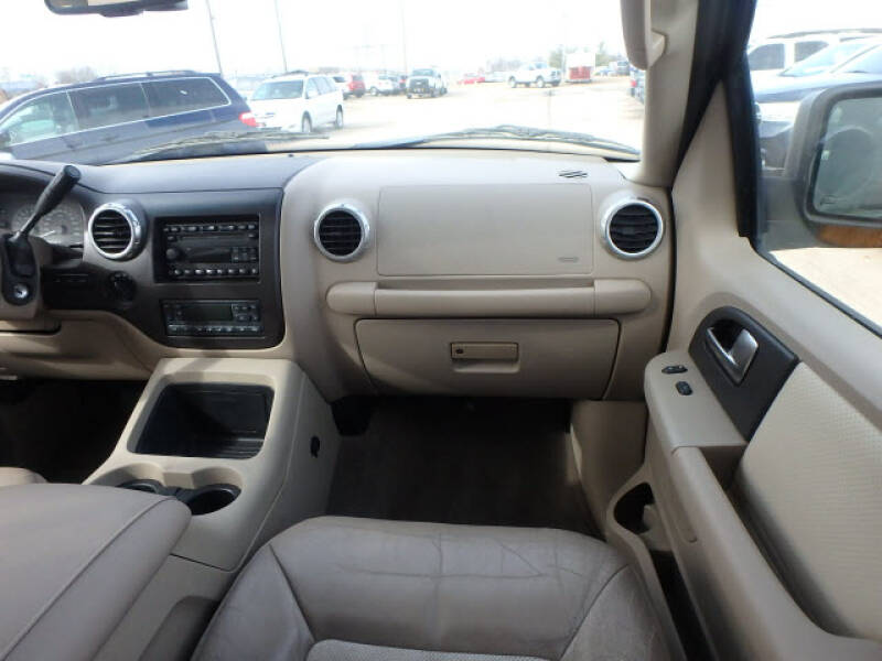 2003 Ford Expedition Eddie Bauer (image 8)
