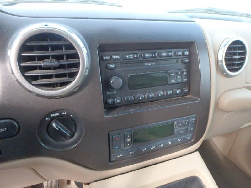 2003 Ford Expedition Eddie Bauer (image 15)
