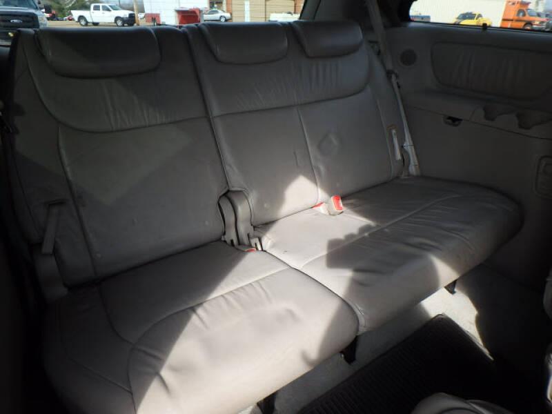 2006 Toyota Sienna XLE 7 Passenger (image 4)