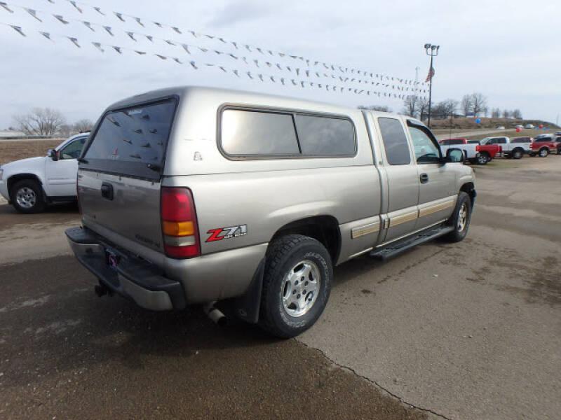 2002 Chevrolet Silverado 1500 (image 8)