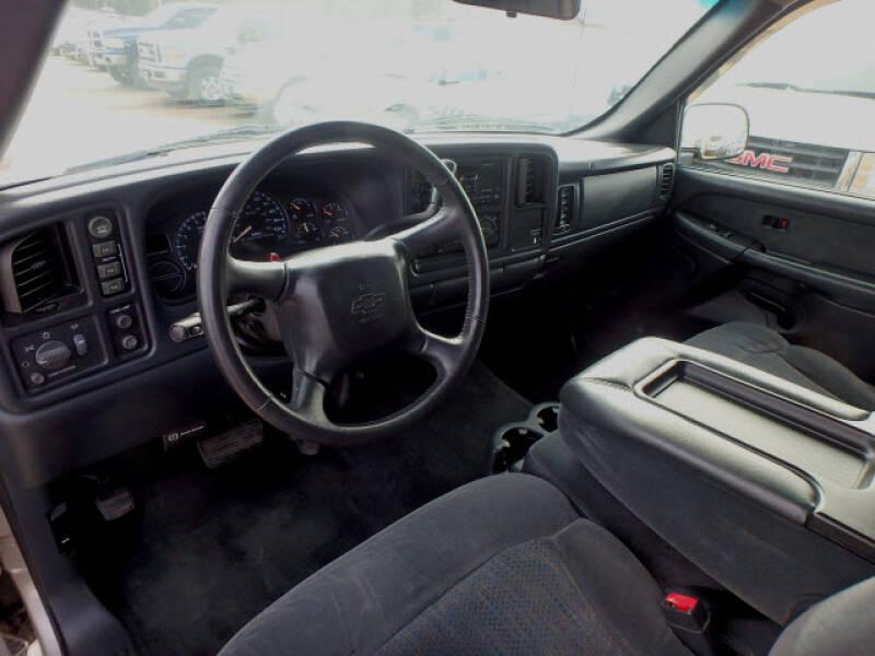 2002 Chevrolet Silverado 1500 (image 11)