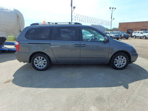 2006 Kia Sedona for sale at BLACKWELL MOTORS INC in Farmington MO