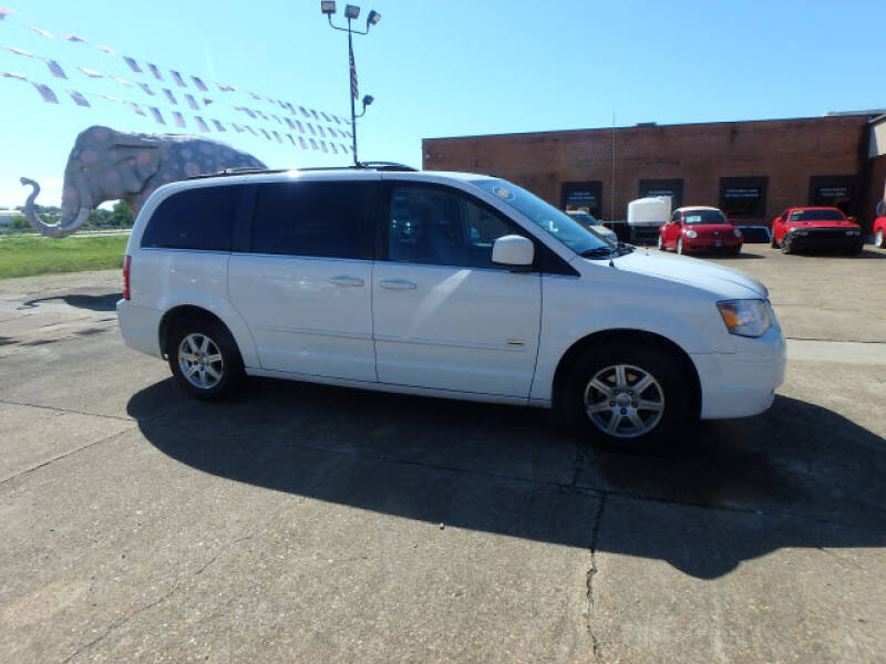 2008 Chrysler Town and Country for sale at BLACKWELL MOTORS INC in Farmington MO