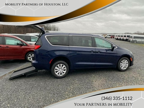 2019 Chrysler Pacifica for sale in Houston, TX