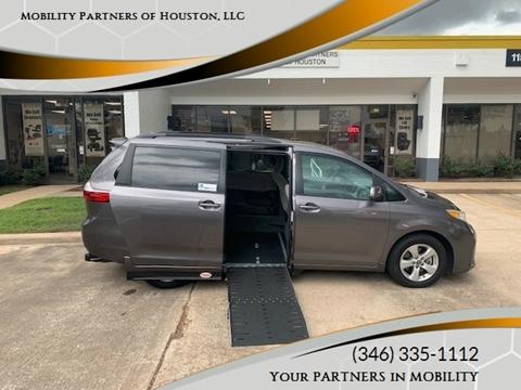2018 Toyota Sienna for sale in Houston, TX