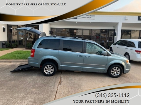 2009 Chrysler Town and Country for sale in Houston, TX