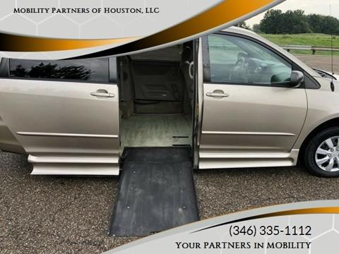 2004 Toyota Sienna for sale in Houston, TX
