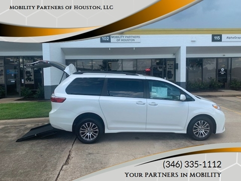 2020 Toyota Sienna for sale in Houston, TX