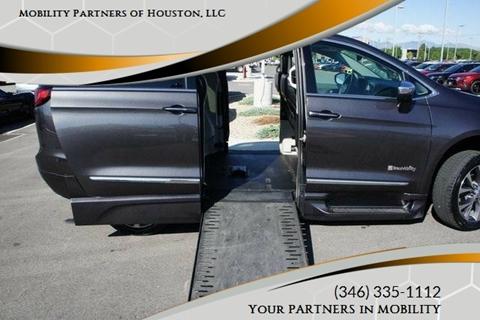 2018 Chrysler Pacifica for sale in Houston, TX